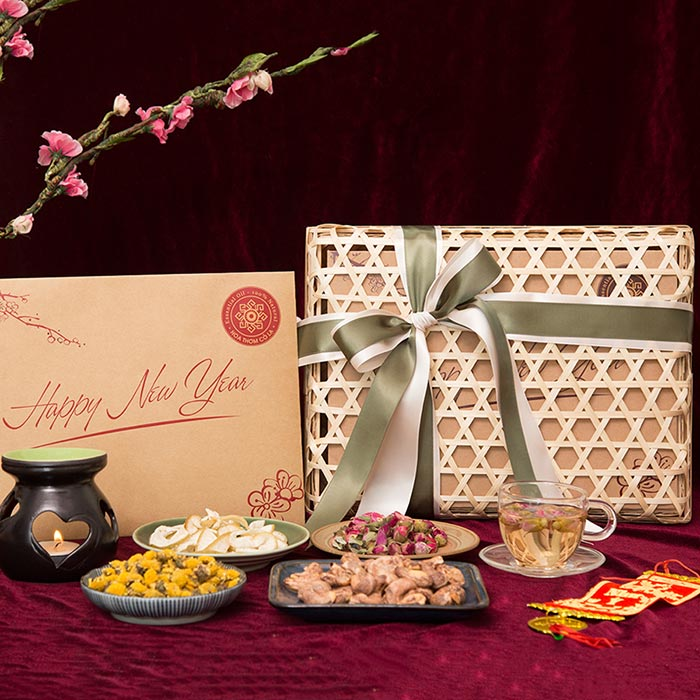 Bạn nên chọn hộp quà có thương hiệu và uy tín