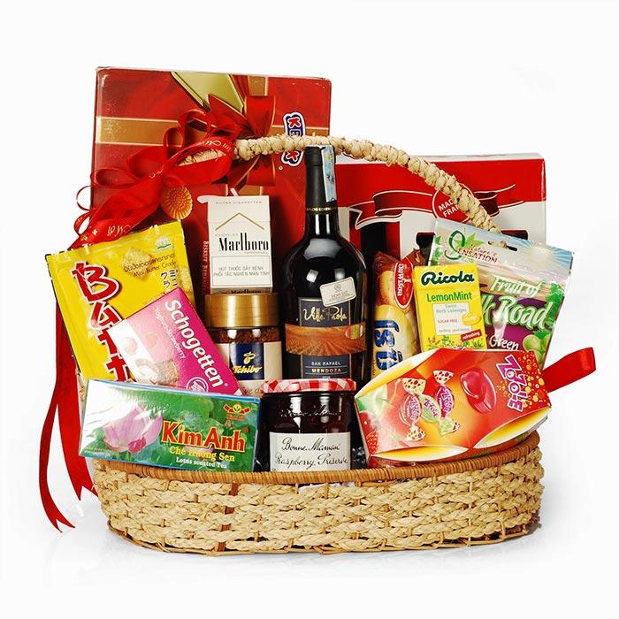Giỏ quà Tết tặng nhân viên là xu hướng được nhiều doanh nghiệp lựa chọn