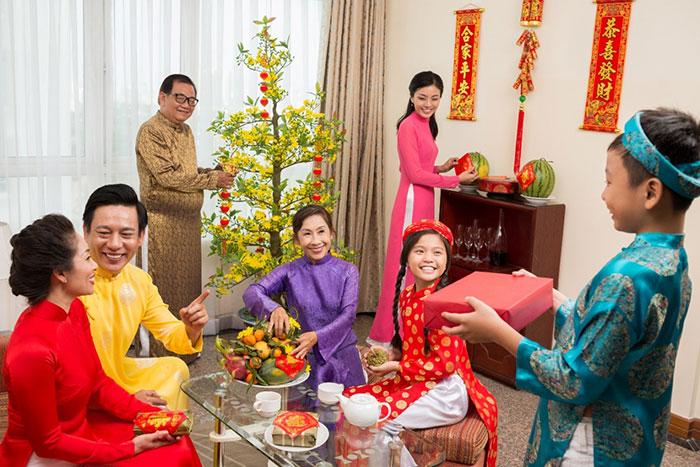 Gia đình sum vầy, đoàn tụ là món quà ý nghĩa nhất đối với bất kỳ ông bố bà mẹ nào